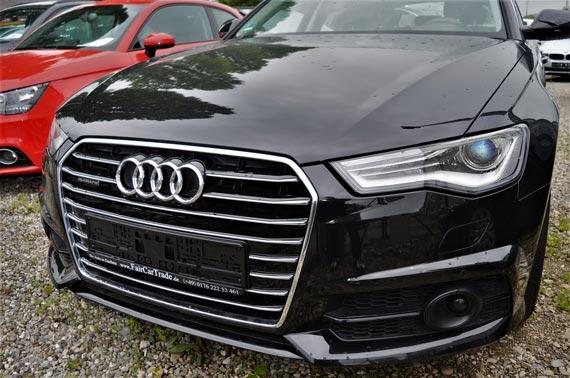 Audi schwarz von vorne gesehen